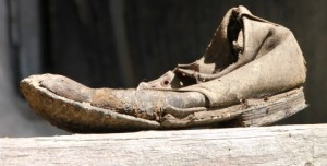 Very-Old-Shoes__23644-480x244